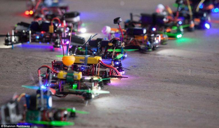 Las carreras de drones despegan en Torrelavega con un indoor de película