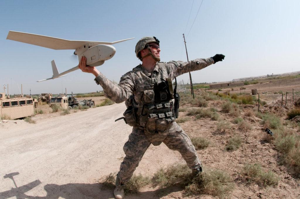 Piloto de drones despegar