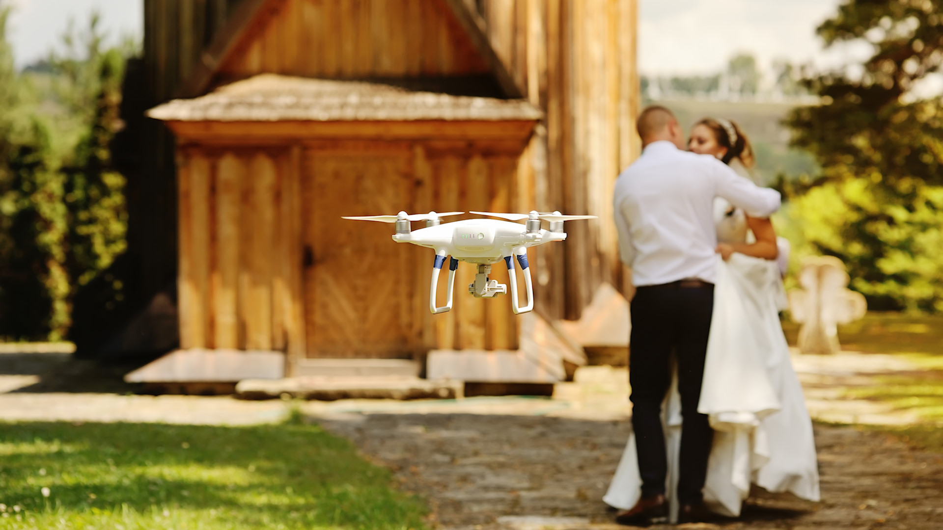 Bodas con Drones: Todo lo que necesitas saber para captar tu evento desde el aire